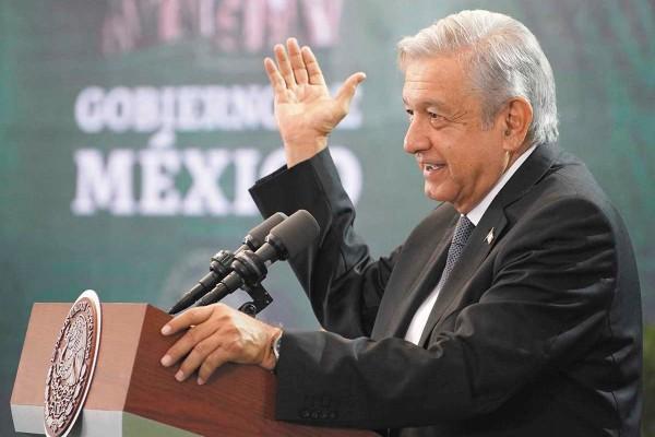 COMPROMISO. El presidente López Obrador prometió justicia a los padres de los niños del ABC. Foto: Notimex