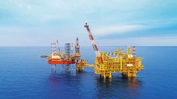 TRABAJO. La principal actividad de la empresa Oro Negro es la operación de plataformas petroleras. Foto: Especial.