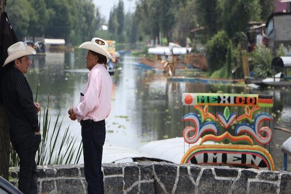 Xochimilco_contaminacion_canales_basura_aguas_negras_trajineras