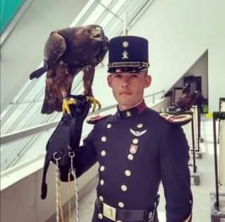 El cadete que enamoró a miles de mexicanos. Foto: Especial.