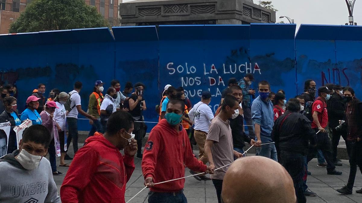 marcha ayotzinapa pintas