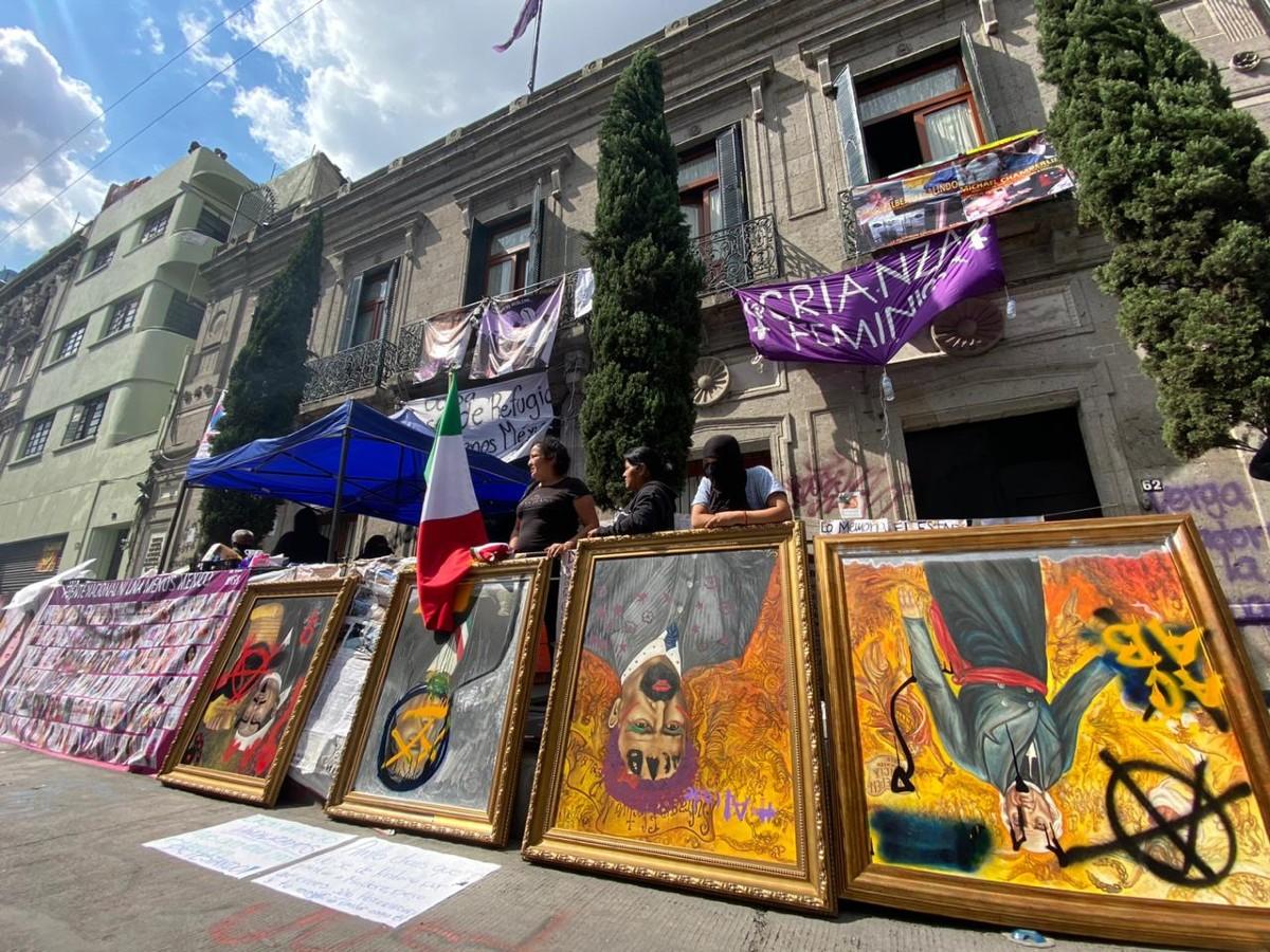 marchas-feministas-movimiento-violencia-mujeres-destrozos-pinturas-esculturas